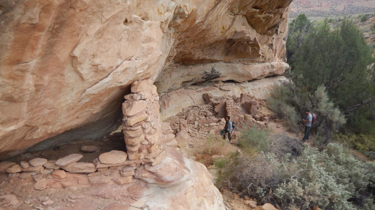 The authors surveyed 25 archaeological sites in the Bears Ears region that represented a wide range of locations, environments and archaeological complexity.