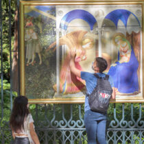 Replicas of masterpieces of art in the streets of Madrid