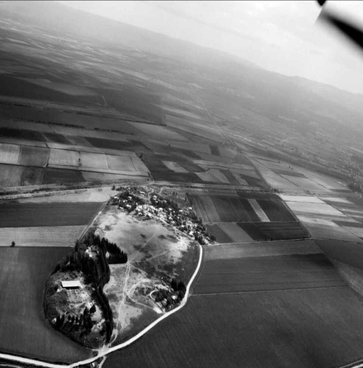 Aerial view of Alalakh in the Amuq Plain (Turkey). © Murat Akar