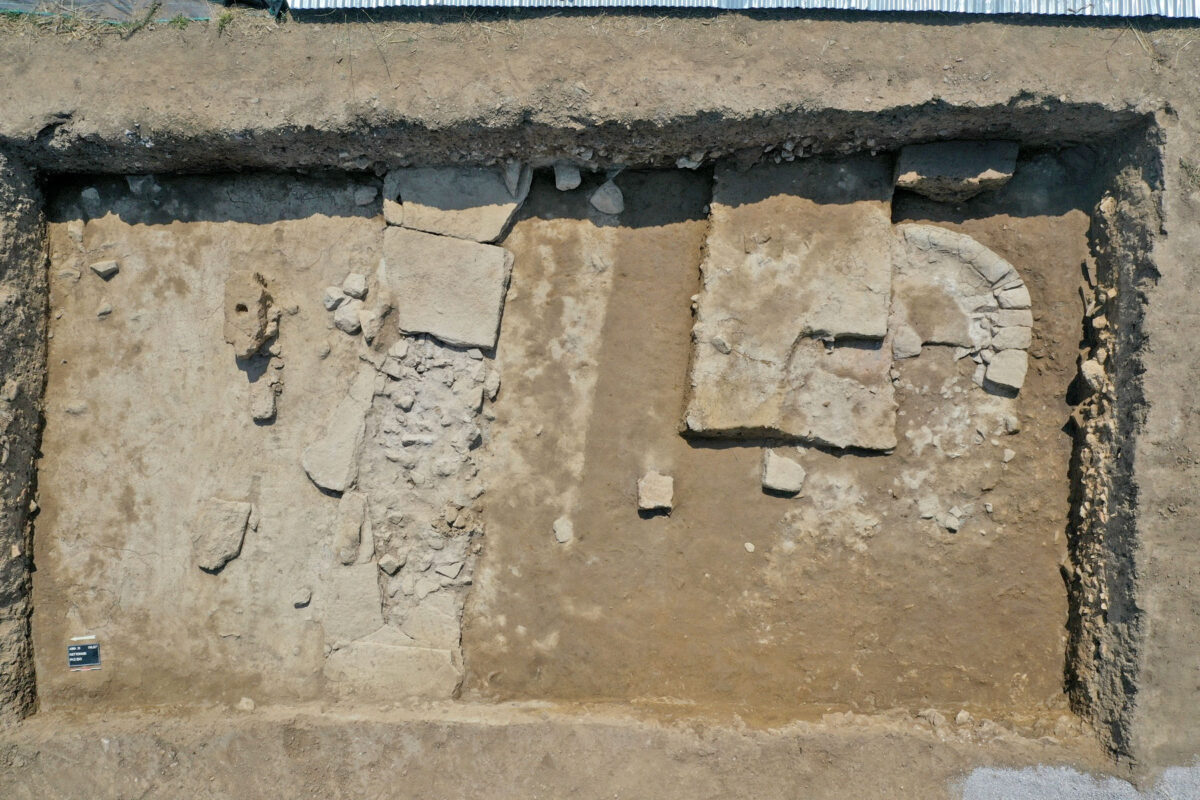 Semicircular gridiron from the temple of Artemis Amarysia (earlier architectural phase) (photo: MOCAS)