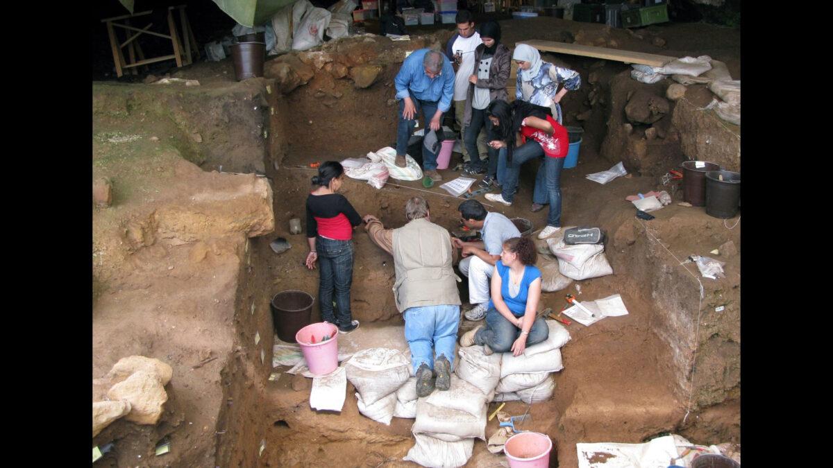 Excavation at Contrebandiers Cave, Morocco. © Emily Yuko Hallett 2009