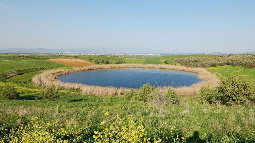 One of the two Zerelia Lakes (photo: AMNA)