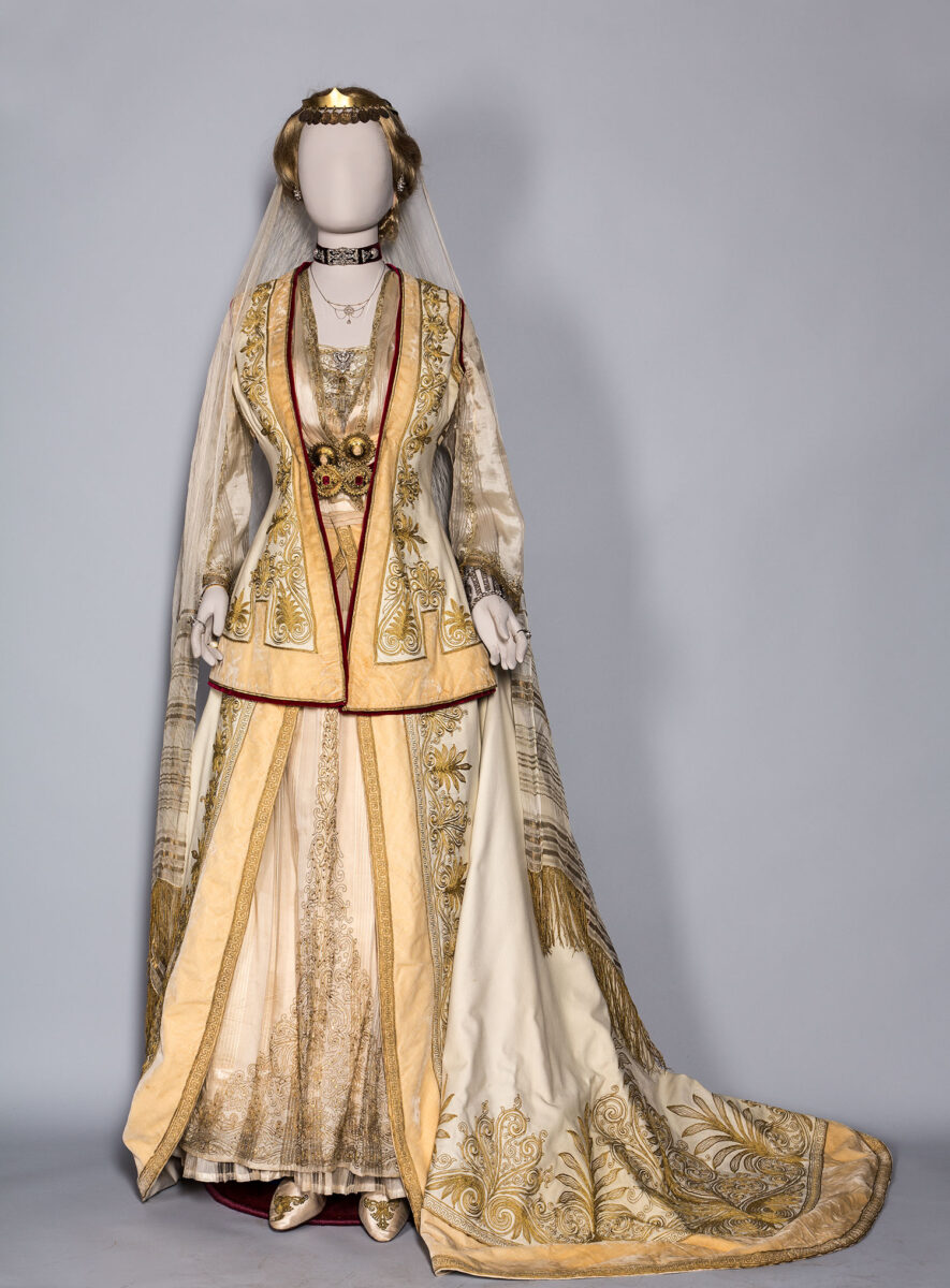 Court dress established by Queen Olga. Owned by Sophia Alexandrou Soutsou, lady in waiting of Queen Sophia, Athens 1880-1910. Benaki Museum (Dress 271).