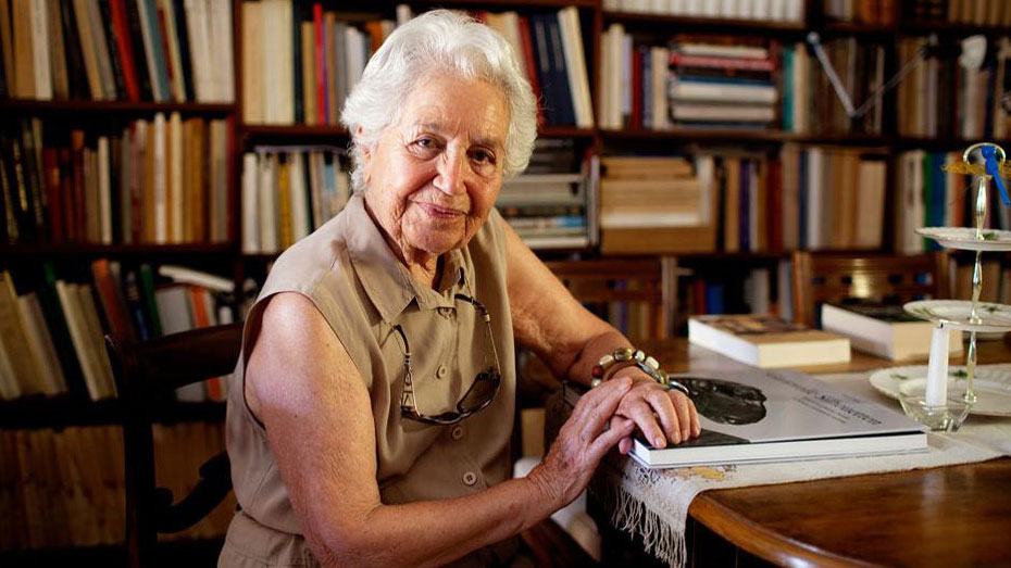 Evi Touloupa has passed away