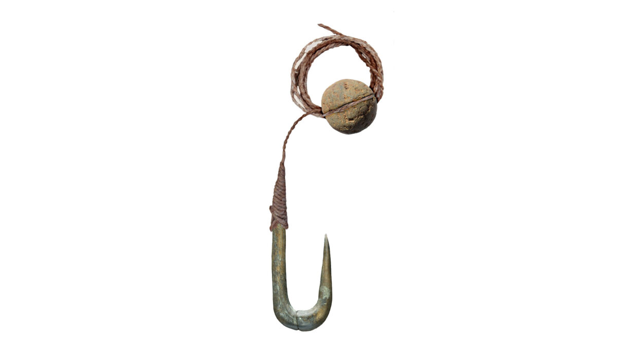 Line and hook fishing techniques in Epipaleolithic Israel